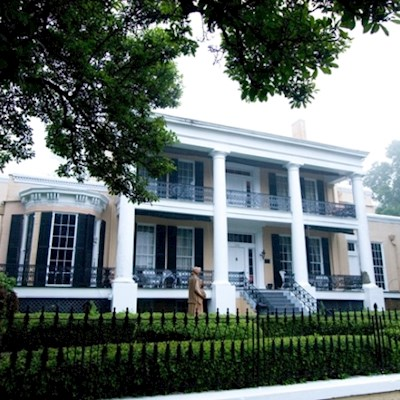 Exterior photo of historic site Cedar Grove Mansion in Vicksburg, MS